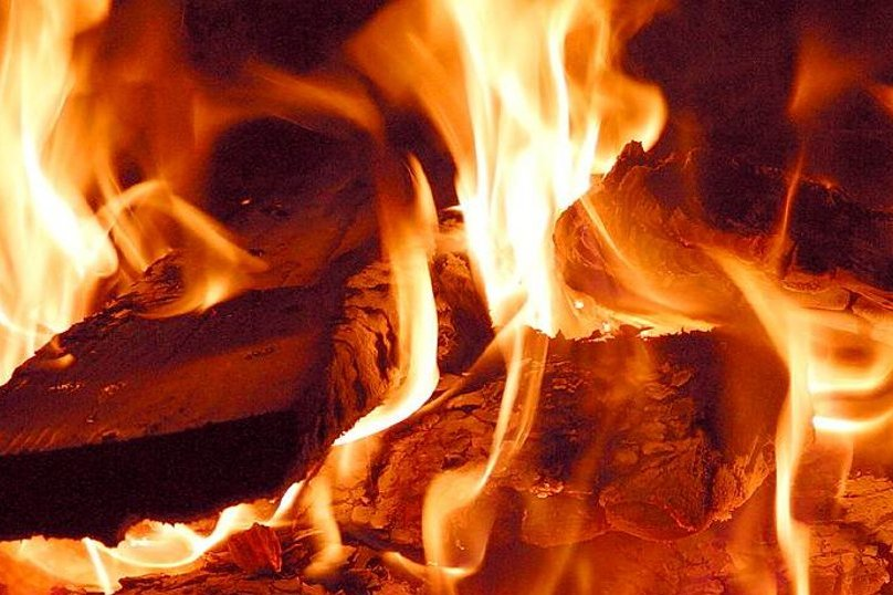 wood_burning_fire_closeup